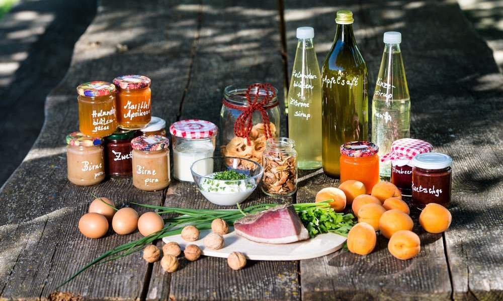 Alles frisch vom Bauern: Probieren Sie unsere köstlichen Hofprodukte.