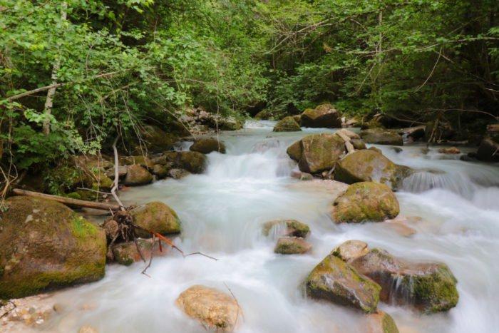 Unser Trinkwasser auf dem Weg von den Bergen direkt in Ihre Wohnung