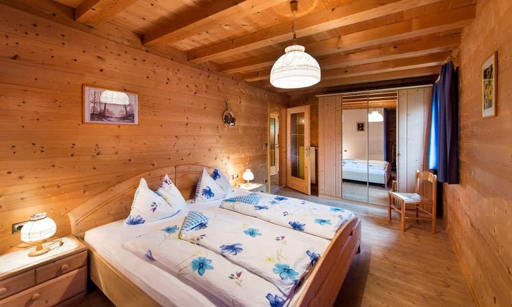 wohnung fichtenholz platschgolerhof. Black Bedroom Furniture Sets. Home Design Ideas